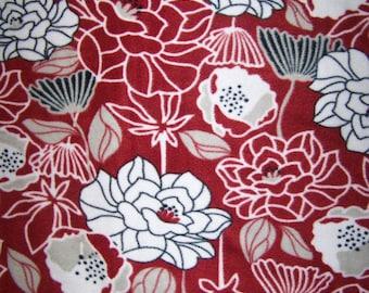 Black and Garnet Floral Print Fleece Throw