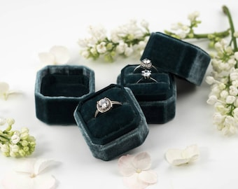 Velvet ring box - Vintage ring box - Octagonal ring box - Wedding gift - Grey green - FREE SHIPPING