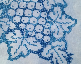 Vintage Blue White Linen Embroidered Tablecloth Oblong 60x80