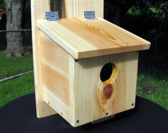 Finch / Sparrow birdhouse and nest box