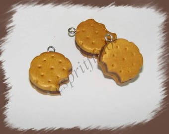 """""""Chewed biscuit chocolate"""" charm in polymer clay"""