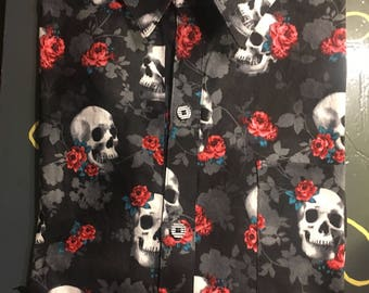 Skull and roses men's extra large button down short sleeve dress shirt
