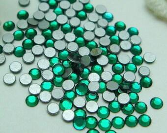 144 pcs  swarovski  flat back crystal,Emerald (SS5)