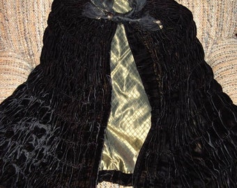 1930's Short Cape Iridescent Gold Black Shirred Silk  Velvet  Size Small Item # 313  Coats & Suits