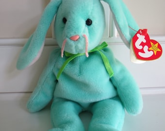 RARE Ty Beanie Baby - HIPPITY the Bunny, Tag ERROR, 5th Generation Swing Tag, No Stamp Tush Tag, pvc Pellets, Made in China, Mint Condition
