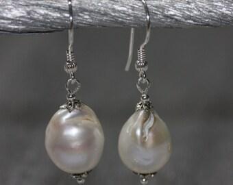 Baroque Pearls earrings - sterling silver