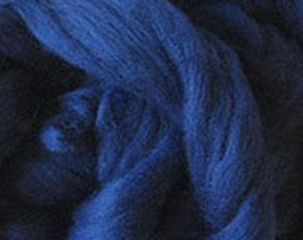 Merino Wool top fibre, dyed navy roving, 100g, Needle felting, wet felting, spinning, navy dark blue
