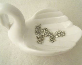9 mm Flower Charms, 2-sided - Set of 10   (1500)