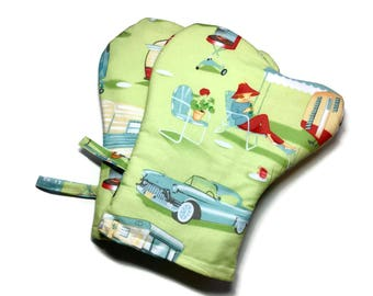 Handmade Oven Mitts set of 2 Midcentury Modern Camper Trailers Green