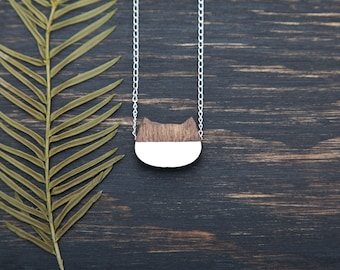 Brown Cat Necklace, Cute Minimalist Necklace, Bridesmaid Gift Cats Pendant Everyday Necklace Simple Jewelry Brown White Wooden Pendant