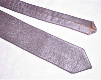 Vintage 80s Beige Leather Skinny Neck Tie