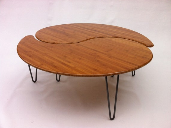 Yin yang nesting large round coffee table mid century modern for Table yin yang