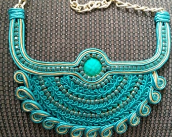 soutache necklace with emerald trimmings