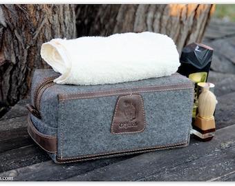Groomsmen Gift bag/Felt & Waxed Leather Men's Toiletry Bag/Men's shaving bag/ Dopp Kit / Father's Day Gift / FREE PERSONALIZATION