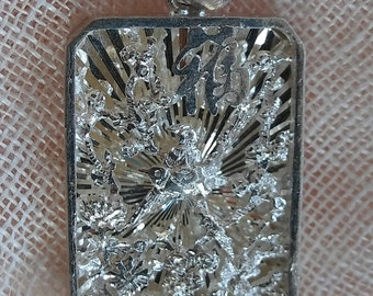 Chinese Pendant with Nature scene