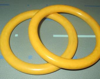 Vintage MOD 60s Yellow Bakelite Bangle Bracelets Bracelet Set of Two