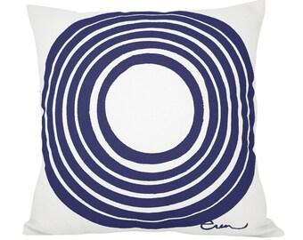 SUN 20in Pillow in Navy