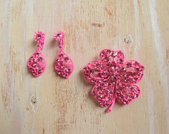1960's Hot Pink Metal Flower Brooch and Earring Set | Pink Rhinestone Brooch