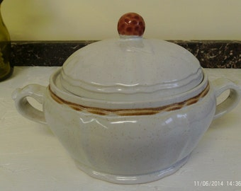 Vintage American Heritage Hearthside Handpainted Stoneware Casserole Dish with Cover