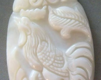 Natural Shell Design Chinese Zodiac Rooster Talisman Bead Amulet Pendant 40mm x 25mm  T1115