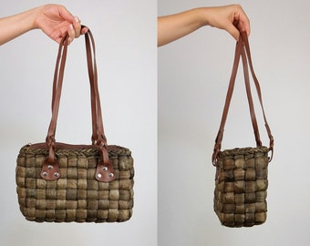 Vintage 80's Dark Brown Woven Wicker / Straw Handbag