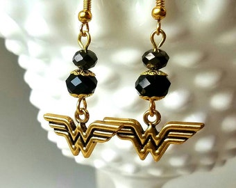 DC Comics Wonderwoman Earrings