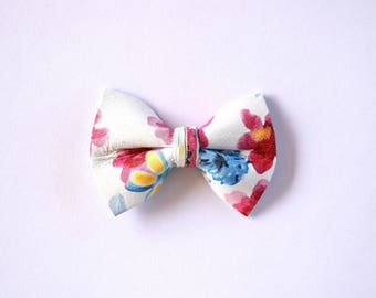Pink Flower Print Leather TINY Bow for Newborn Baby Child Little Girl Photo Prop Adorable Spring Summer Pictures Alligator Clip Bow