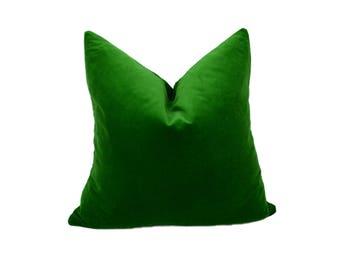 emerald green velvet pillow cover // emerald green velvet cushion // green velvet pillow // velvet pillow