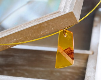 Yellow Resin Necklace, Olive Wood Necklace, Resin Pendant, Elegant Necklace, Gift For Her, One of a Kind, Resin Pendant, Gift forMom, Unique