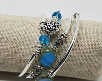 Blue Beauty stones and crystal Memory wire bracelet