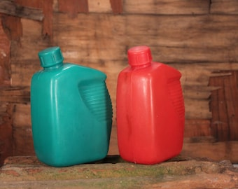 Plastic canteen - Water canteen - Type flask water bottle - Plastic water bottle - Camping flask - Vintage canteen - Tourist travel storage