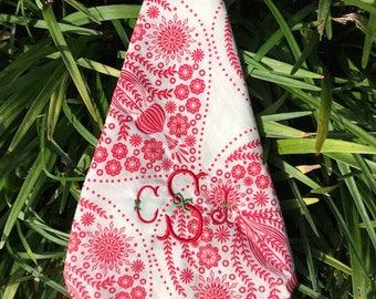 Set four monogrammed red and white cotton napkins, Holiday napkins, Christmas napkins