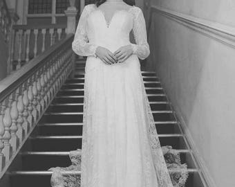 1950s Ivory Wedding Dress Ball Gown Lace Pearls Tulle Layered Long Sleeve Button Back