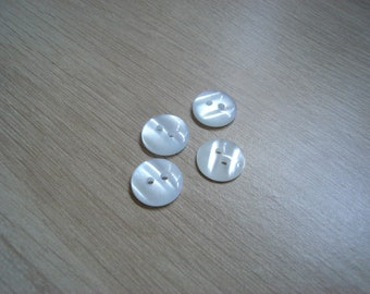 set of buttons white round mother of Pearl Sheen