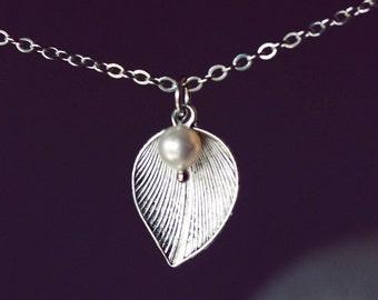 Leaf Pearl Necklace, Leaf Necklace, Silver Leaf Necklace, Minimalist Necklace, Silver Leaf Pendant, White Pearl Necklace, Silver Necklace,NT