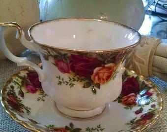 Vintage Royal Albert Bone China Old Country Roses England 18.00