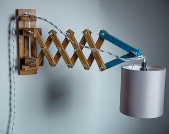 Scissor Lamp//Scissor light applique-jour wood sconce