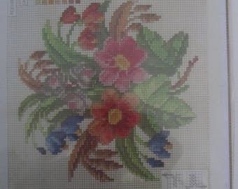 Canvas flowers representing Penelope - size 21 x 21 cm finished