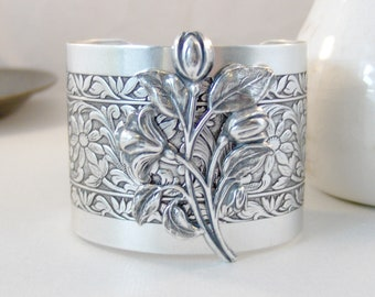 Spring Tulips,Cuff,Cuff Bracelet, Bracelet,Cuff Bracelet,Bracelet,Silver,Antique Bracelet,Chunky Bracelet,Gypsy Bracelet.valleygirldesigns.
