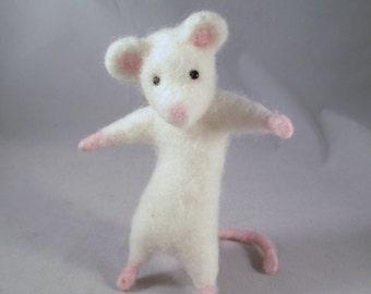 Needle Felted Animal, Felted Mice, Needle Felted Mice, Woodland Animals, Felted Animals, Handmade Mice, Forest Animals, Felt Animals