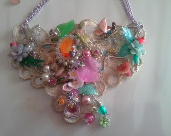 NECKLACE lace ECRU multicolored bib