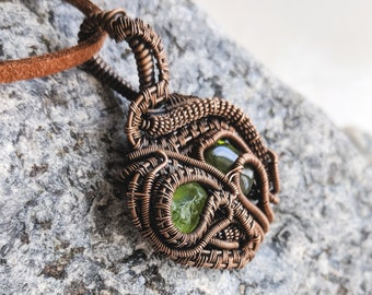 Wire wrapped pendant - Boho style - Peridot necklace - Gift for her