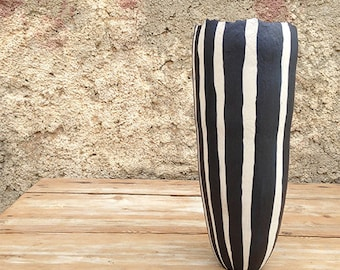 Ceramic vase, black and white lines, organic design