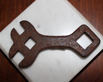 antique early 1900's farm wrench tractor wrench small & mighty ! 4 inch x 2 inch  x 1/4 inch thick -great design