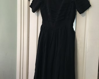 """Miss Elliette size 6 ? 28""""wasit Black to die for dress this is layered with drop pleats bodice"""
