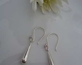 Silver earrings with drops, 925 Silver, plain and precious!