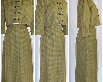 Vintage 1940s Green and Black Wool Herringbone Plaid Suit Cropped Jacket A Line Skirt Sz XS/25 Inch Waist