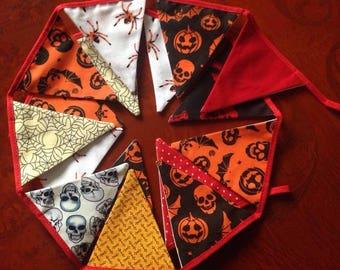 Halloween Mini Bunting 16 flags