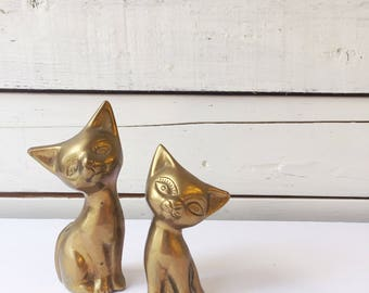 Set of 2 vintage brass kittens | brass cat
