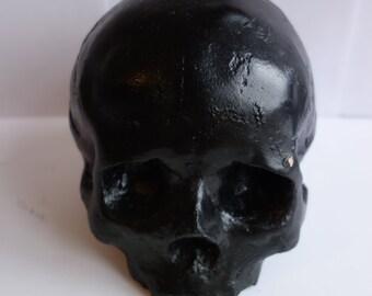 Solid skull Ornament
